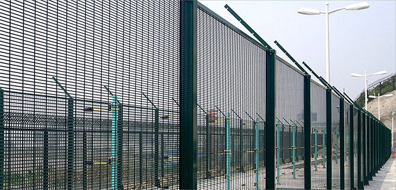 358 anti-cut anti-climb welded mesh fencing in prison