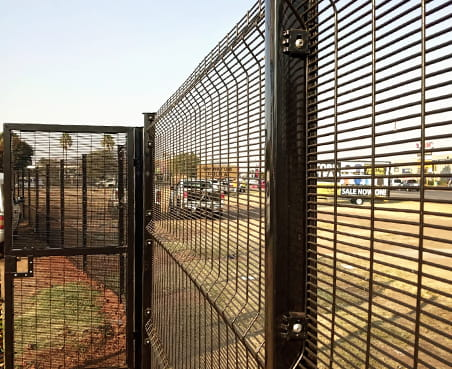 358 high-security clear view fencing complete system