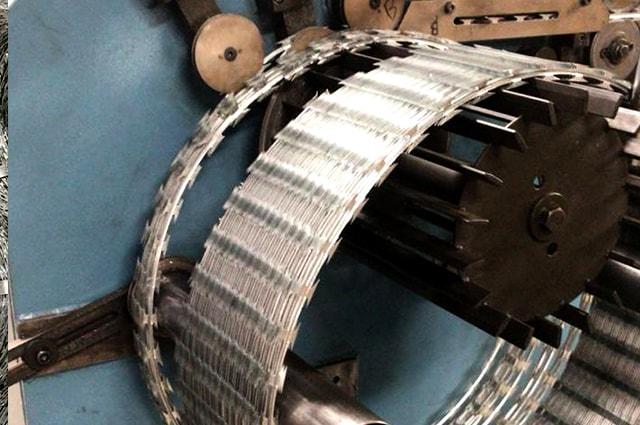 Manufacture razor wire coils