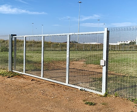 Clear view fencing as perimeter protection with sliding gate
