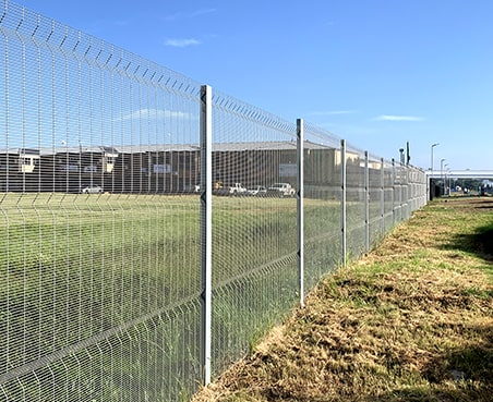 Clear view fencing anti-climbing