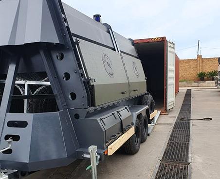 Supervision of loading razor wire trailer