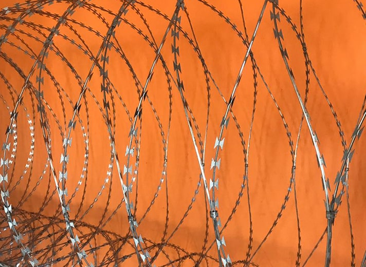 Concertina razor wire barriers barbed tape blade profile